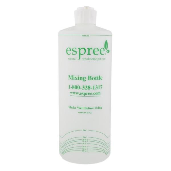 Espree Mixing Bottle 946 ml. har målestreger så den er perfekt til at blande shampoo og conditioner sammen.