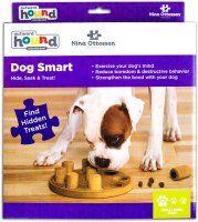Dog smart, komposit. Nina Ottosson.